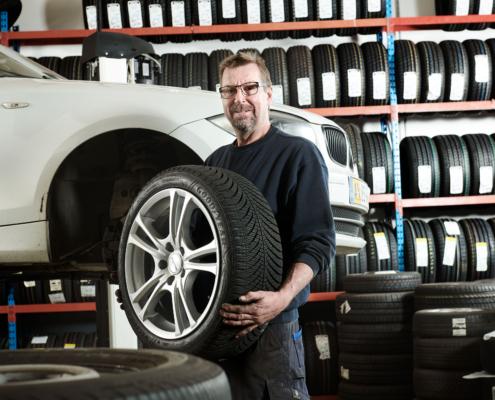 Dæk og fælge i dækcenter Fredericia