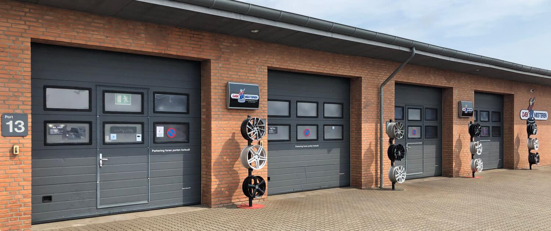 Dækcenter med dækhotel, autoservice og bilsyn i Fredericia med erfarene mekanikere
